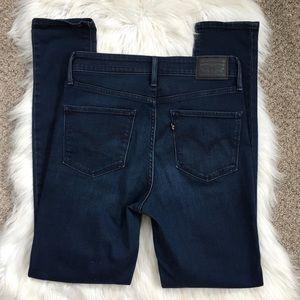 Levi's 721 High Rise Skinny Jean Dark Wash Stretch
